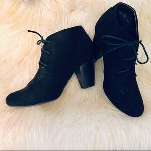 Bella Marie💕 Faux Suede Black Lace Up Booties